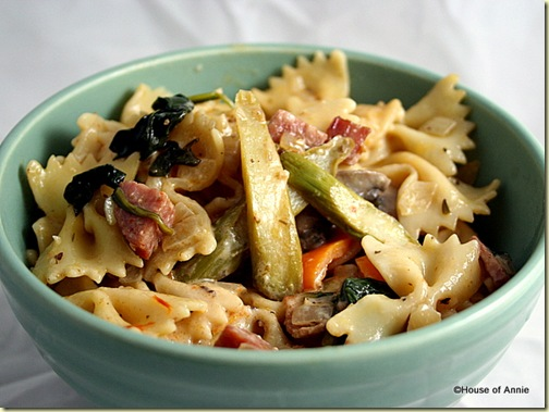 Farfalle with Asparagus, Spinach, Mushrooms and Sausage