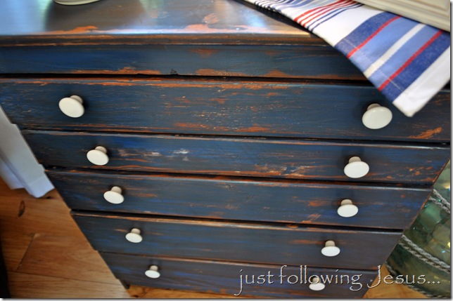 - Remodelaholic Glaze And Wax Finish On Distressed Furniture