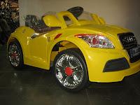 2 Mobil Mainan Aki Doestoys DT80 Audi 2 Kursi