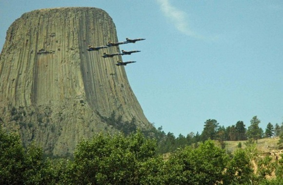 The-Most-Famous-And-Scary-Devil-Tower-10