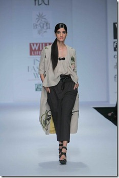 WIFW SS 2011 collection by Vineet Bahl (3)