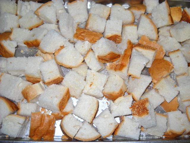 bread chunks on pan
