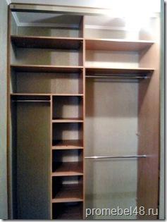 Шкаф-купе с панельными дверями .