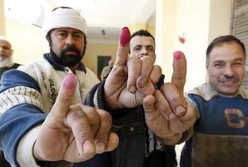 埃及就宪法修正案举行全民投票