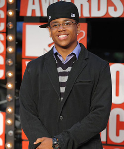 Tristan Wilds on the red carpet at the VMA's [image courtesy of Getty images and MTV]