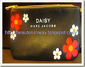 Marc Jacob Daisy Black Pouch