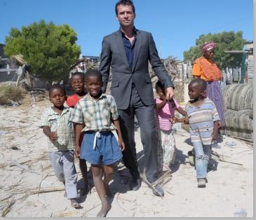 The Philanthropist Photos - James Purefoy_2