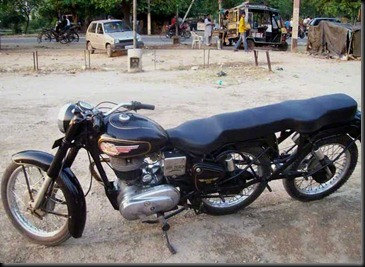 Royal-Enfield-Three-Wheels