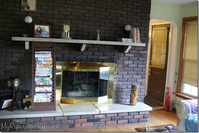 Brick fireplace makeover my repurposed life before solutioingenieria Gallery