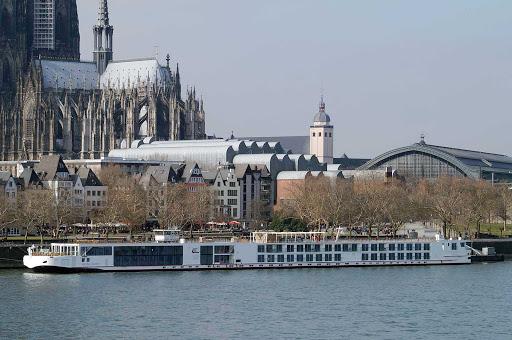 Viking-Skadi-Cologne - Viking Skadi in Cologne, Germany.