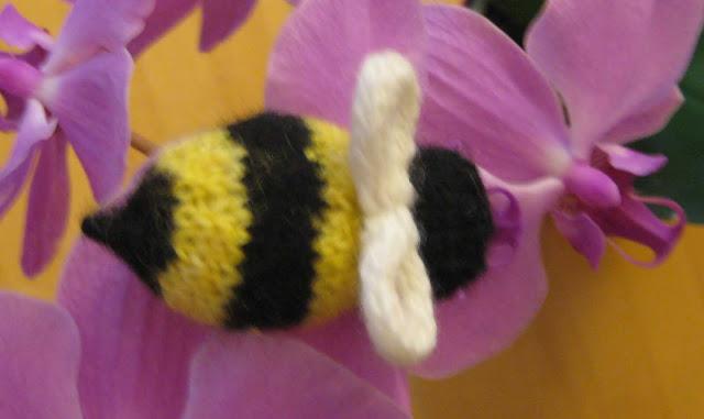 Chemknits Bzzzzzzz A Knit Bumble Bee