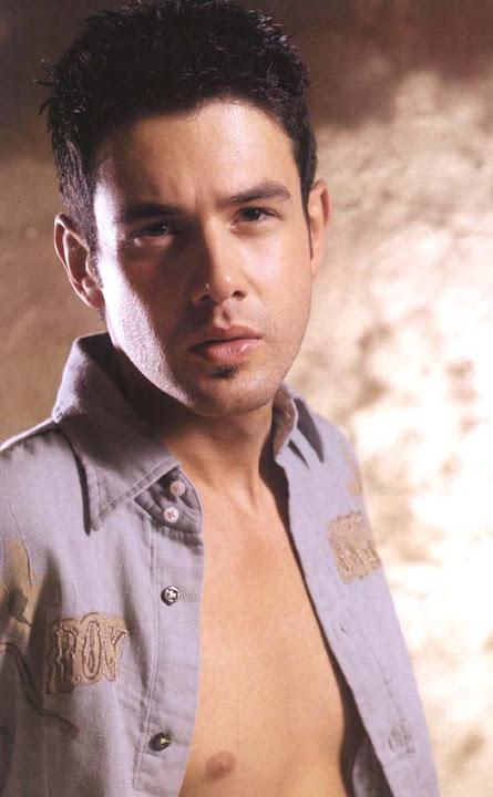 Poze Keremcem - Actor - Poza 4 din 13 - CineMagia.ro  |Keremcem