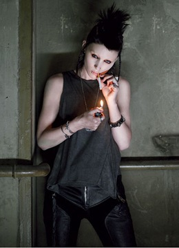 rooney-mara-the-girl-with-the-dragon-tattoo-07
