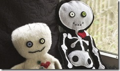 Halloween-Crafts-Felted-Mummy-Doll_featured_article_628x371