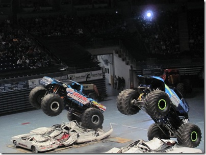 Monster Trucks 124