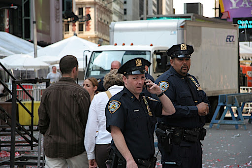 NYPD officers can make 6 figures salary after 5 5 years plus huge
