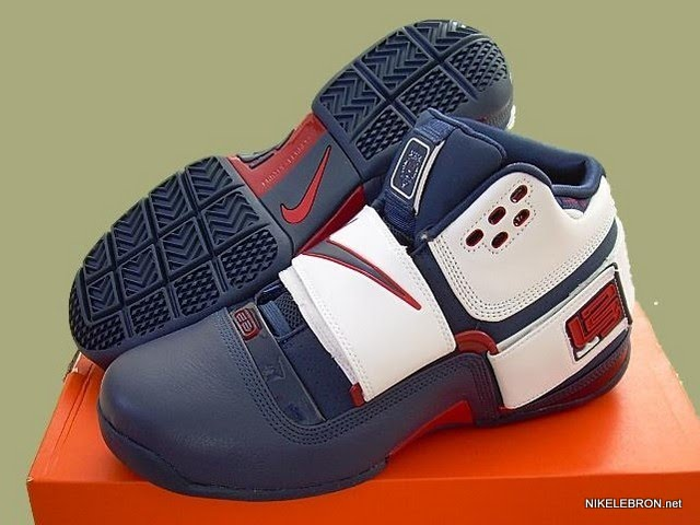 LeBron s Nike Zoom Soldier USA Basketball Player Exclusive  51e986f17b