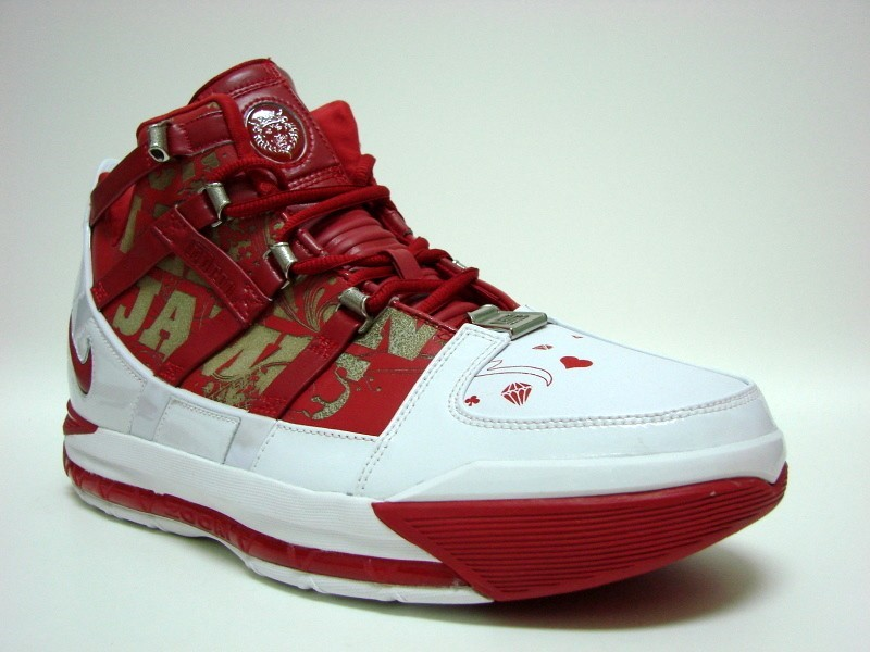 37aac9a6745 Nike Zoom LeBron III