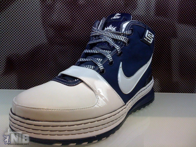fe343e7126f3 ... A Preview of the New York City Inspired Nike Zoom LeBron VI ...
