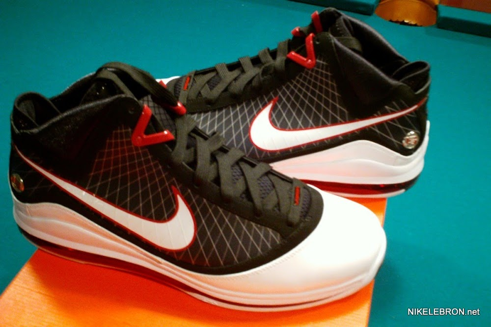 hot sale online edee6 7a7e4 ... King City Classic King James Shooting Stars Nike LeBron VII PE ...