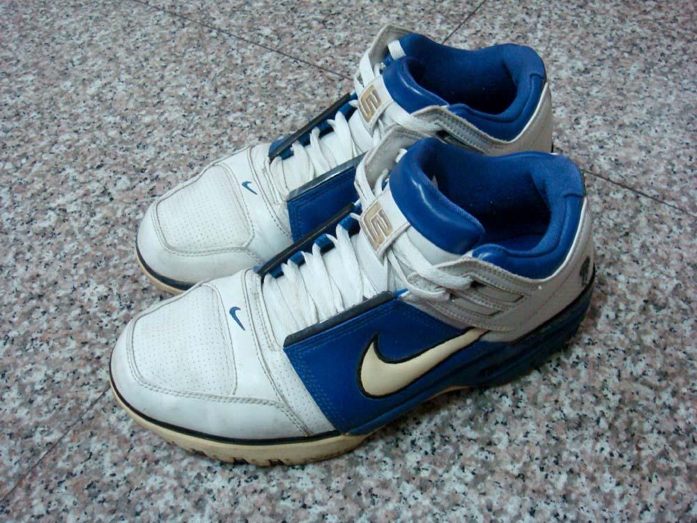 290c58aecd0714 Nike Air Zoom Lebron 1 Shoe Nike Acg Lupinek Flyknit Low Tops Black Jeans