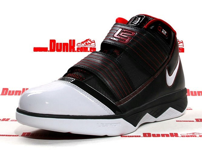ef0046078ff First Nike Zoom LeBron Soldier III Hits Retail Early in China ...