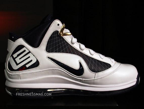 5bcb350702061 Nike Air Max Lebron Vii White Navy