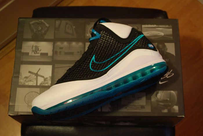435e9743314 ... Red Carpets Restocked Available at House of Hoops CHI NYC LA ...