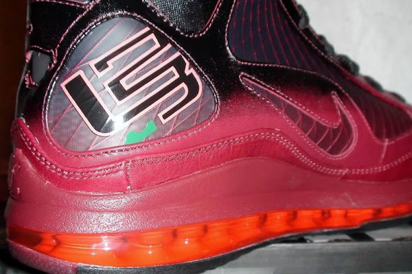 newest e37b2 0e711 nike air max lebron vii box out breast cancer