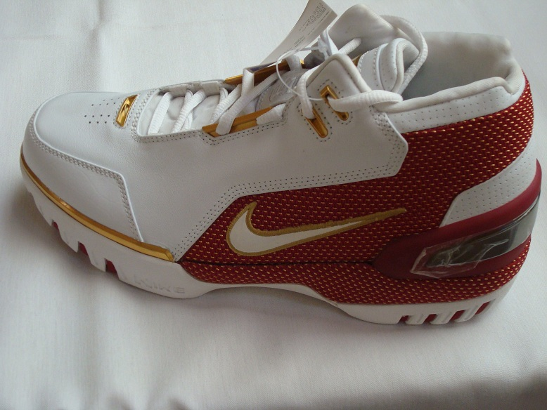 100% authentic 0f889 7e148 Nike Air Zoom Generation 8220First Game8221 Gold Swoosh Sample