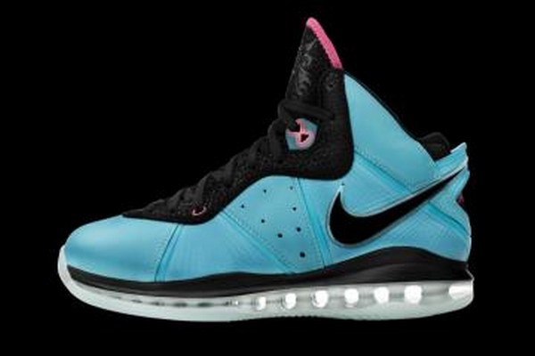 promo code 62f59 045fc Preview of LeBron8217s Special Miami Inspired Nike LeBron 8 Make Up
