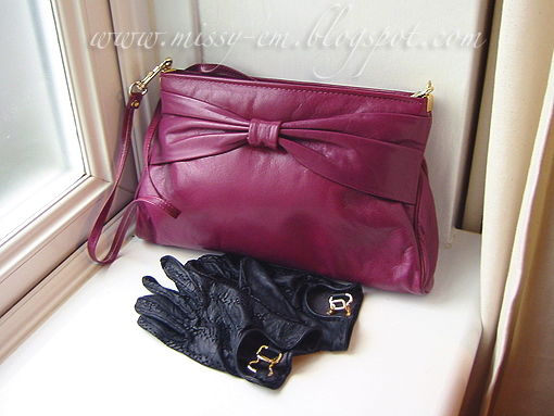 Vintage Leather Handbag And How To Clean Gloves