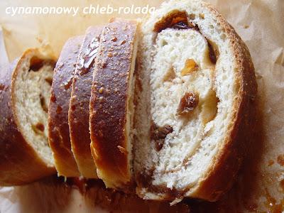 Weekendowa Piekarnia #95: bułeczki-koniczynki i cynamonowa rolada