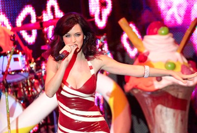 gallery_main-katy-perry-concert-titties-003