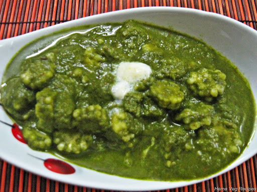 Palak or Spinach Baby Corn Curry
