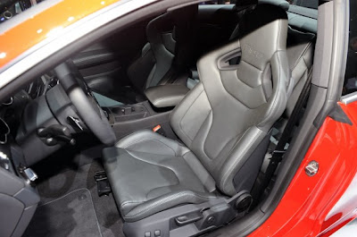 2011 Audi RS5-05.jpg