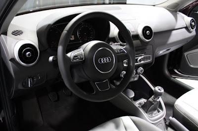 2011 Audi A1-07.jpg