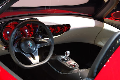 Alfa Romeo 2uettottanta concept by Pininfarina-03.jpg