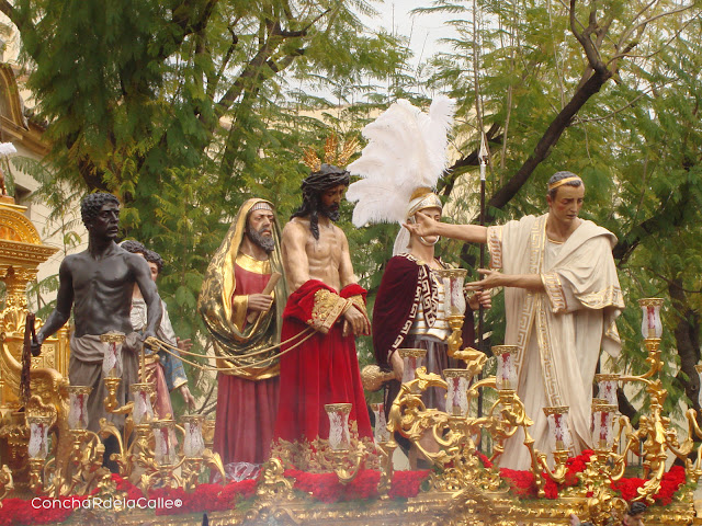 Semana Santa de Sevilla . San Benito Presentanción 2010.jpg