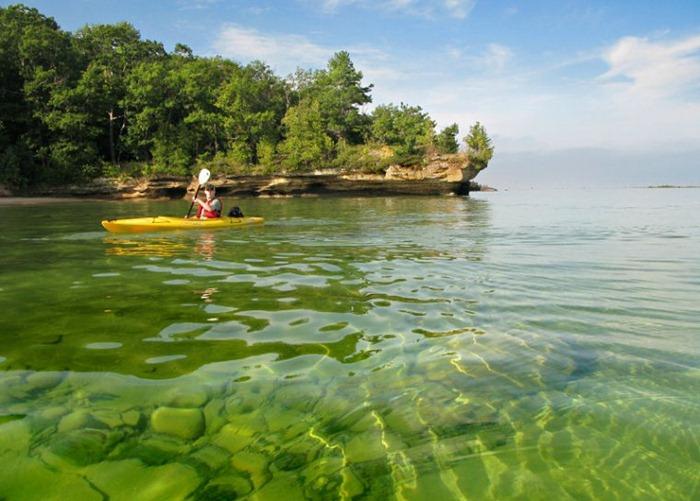 بحيرة هيورون في امريكا lakehuron32.jpg?imgm