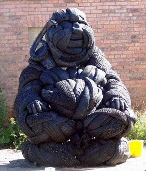 tire-sculptures (2)