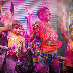 joy of colors by Shaik Mohaideen - Babies & Children Child Portraits ( children, india, holi, chennai, tamilnadu,  )