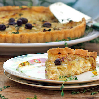 FRENCH ONION TARTE