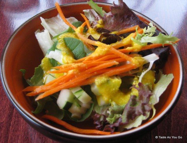 Green-Salad-Sushi-Siam-Long-Island-City-NY-tasteasyougo.com