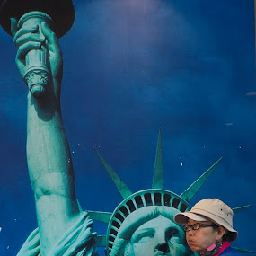 Lunch With A Lady by VAM Photography - People Street & Candids ( statue of liberty, woman, places, nyc, people, street photography,  )