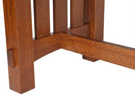 "70"" x 46"" Cordoba Table Leg Detail in Autumn Oak"