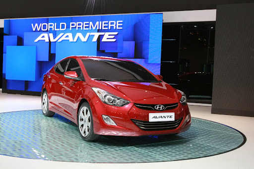 2011-Hyundai-Elantra-20.JPG