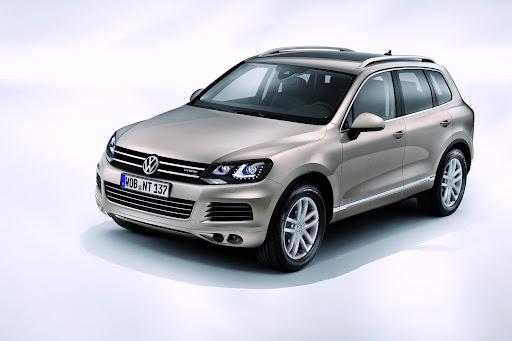 2011-Volkswagen-Touareg-3.jpg
