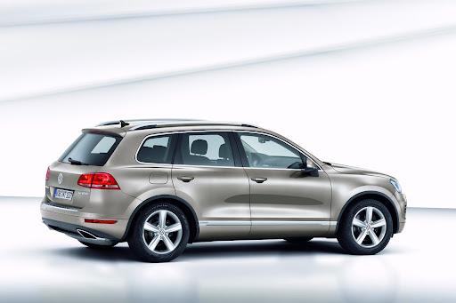 2011-Volkswagen-Touareg-5.jpg