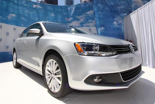 2011-Volkswagen-Jetta-13.jpg